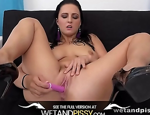 Wetandpissy - Closeup Send back Pee - Piss Drinking