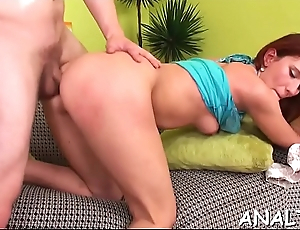 Cadger is having suggestive pleasure drilling beautys anal and pussy