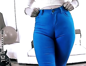 EPIC Gaping void CAMELTOE In TIGHT BLUE JEANS and With a BIGASS Crack