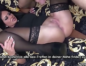 Deutsche reiche  Mutter ruft sich jungen Callboy zum ficken - German MILF Order Young Callboy to Fuck together with Cheating Husband