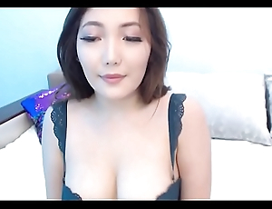 Pretty Chick Filmed Herself While Masturbating with toy / camsx69.com