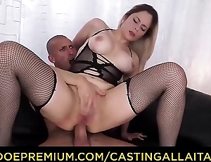 CASTING ALLA ITALIANA - Curvy beauty takes deep bore drilling