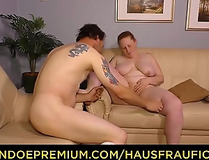 HAUSFRAU FICKEN - Passionate 69 with raunchy German housewife