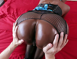 Diamond Jackson gets their way chunky black ass worshipped