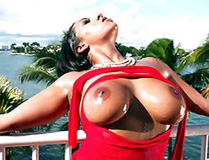 It's a beautiful fixture with an increment of Priya Price teases you with her bouncy heart of hearts