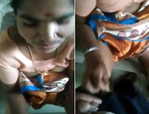 Today Exclusive-Desi Telugu Maid Give Handjob in the air Residence Owner