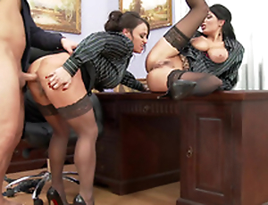 Guy thrusts cock in boss' pussy giving XXX cunnilingus to Anissa Kate