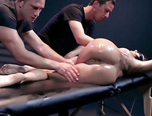 Masseurs in black clothes worship Peta Jensen's body in XXX way