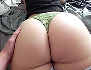 Young Russian mom with fat booty fucked by XXX partner from behind